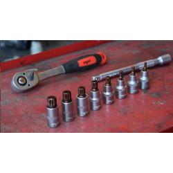 Klucz dynamometryczny 42-210 Nm